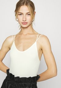 BDG Urban Outfitters - THONG STRAPPY BACK BODYSUIT - Top - white - 3