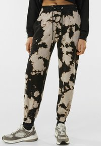 Bershka - Tracksuit bottoms - black - 0