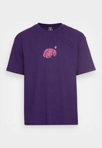 MINDBOTTLE  - T-shirt z nadrukiem - violet indigo