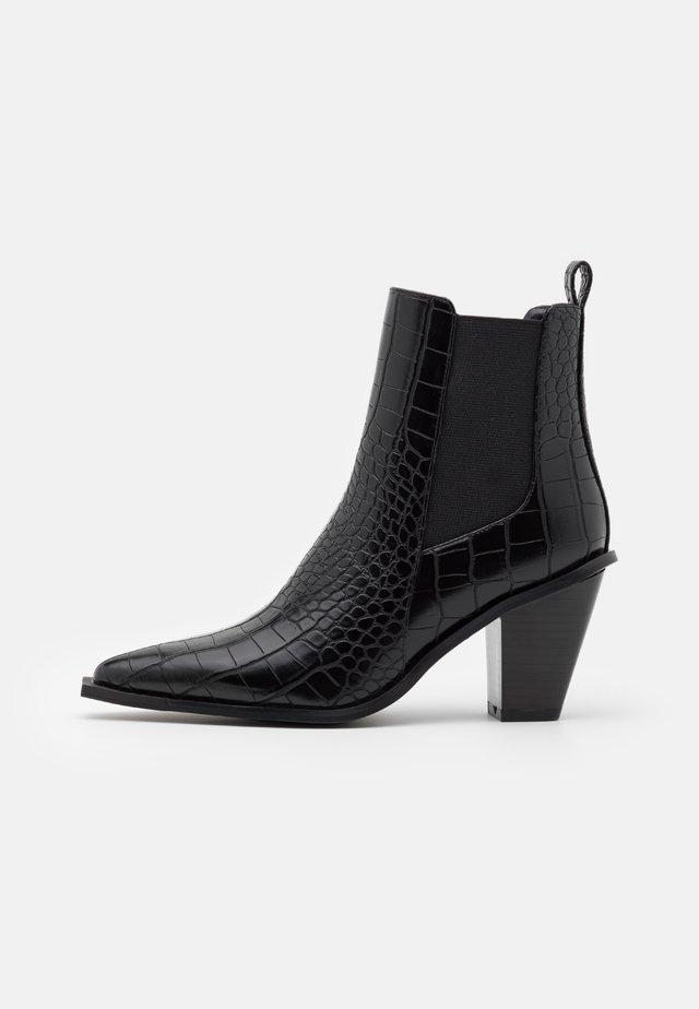 POINTY BLOCK HEEL BOOTS - Korte laarzen - black