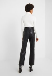rag & bone - JANE TROUSER - Spodnie skórzane - black - 2
