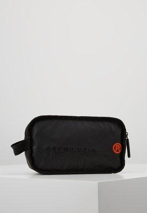 TARP WASH BAG - Wash bag - black