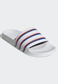 adidas Originals - ADILETTE SLIDES - Sandali da bagno - white - 4