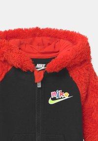 Nike Sportswear - ZIG ZAG - Overal - black - 2
