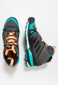 adidas Performance - TERREX SKYCHASER MID GTX - Walking boots - grey four/core black/hi-res aqua - 1