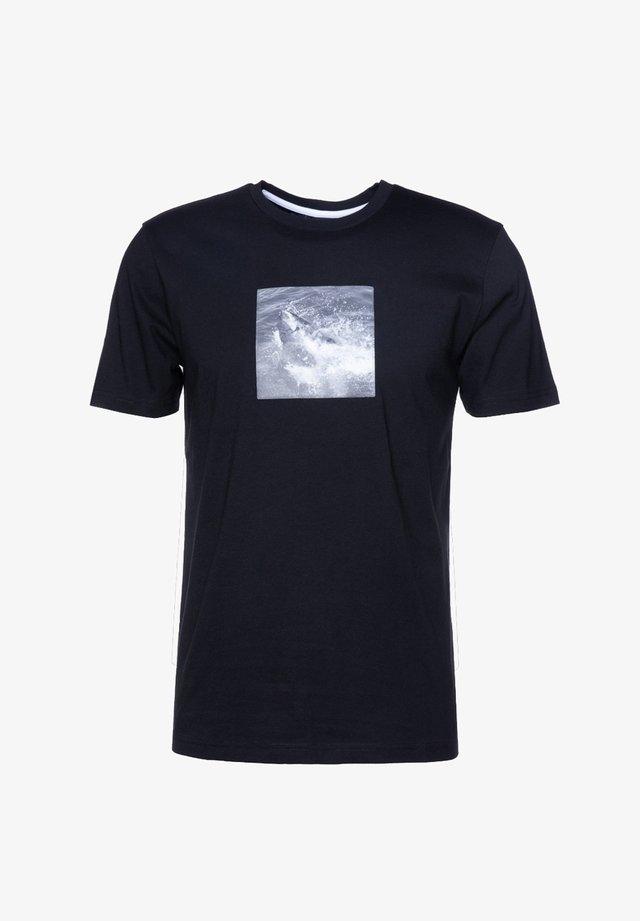 NOAH - T-shirt med print - black