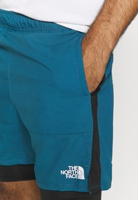 The North Face - ACTIVE TRAIL DUAL SHORT - Pantalón corto de deporte - mallard blue/black - 4