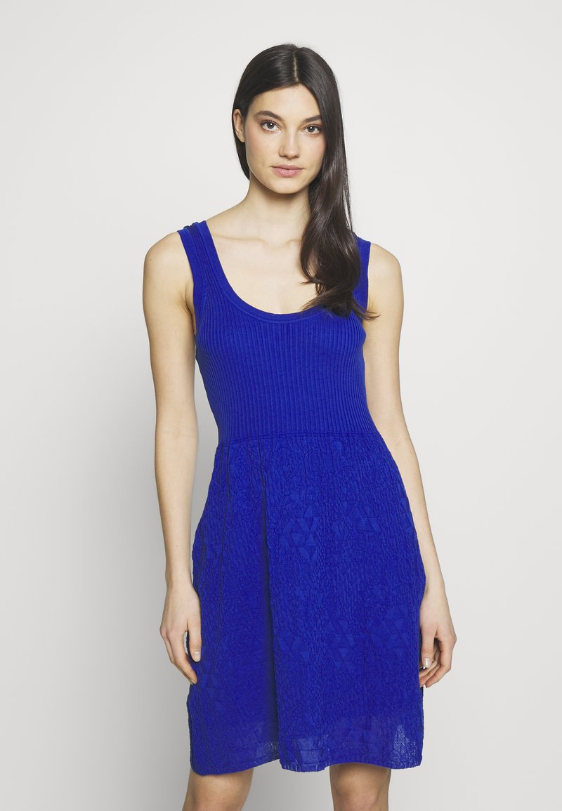 M Missoni - SLEEVES DRESS - Strikkjoler - blue