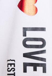 Love Moschino - Sweatshirt - optical white - 6