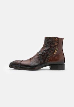 Kotníkové boty - nuvolato pitone