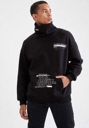 BOXY FIT - Collegepaita - black