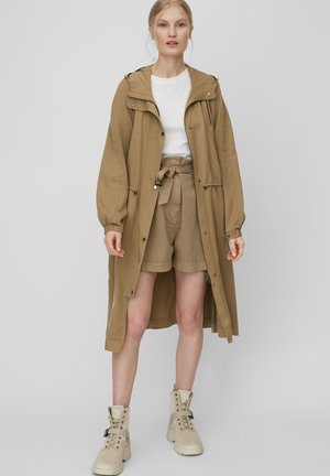 Parka - shaded walnut
