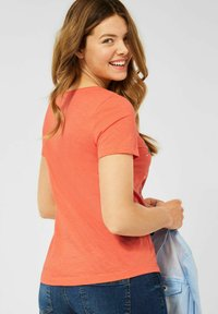 Cecil - Print T-shirt - orange - 2