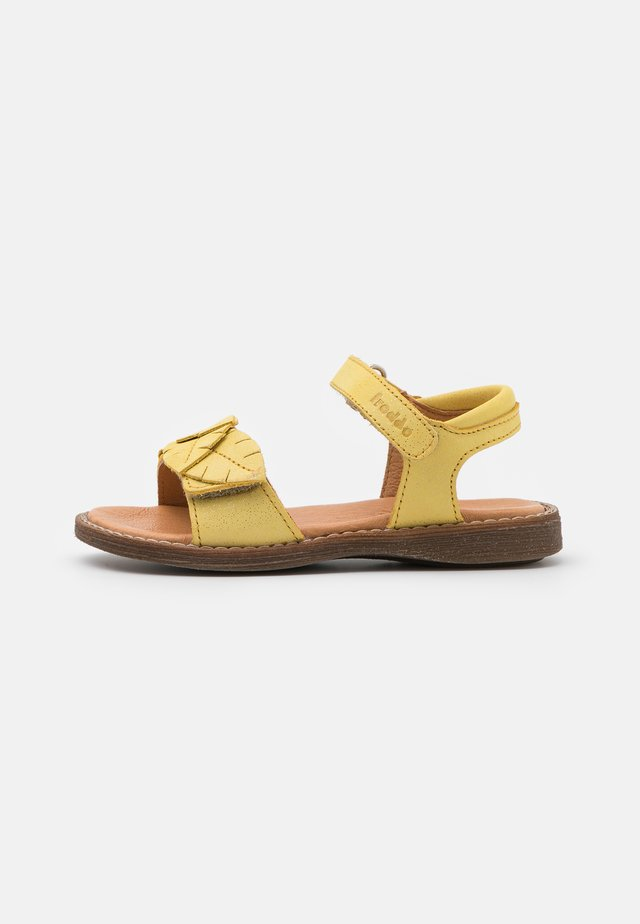 LORE LEAVES - Sandals - yellow