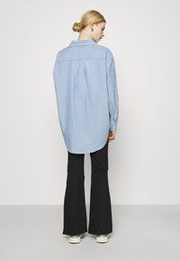 Weekday - EDYN - Button-down blouse - blue - 2