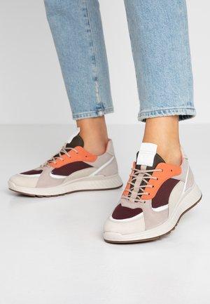ECCO ST.1 W - Sneaker low - gravel/white/grey rose/apricot