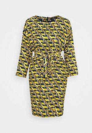 COLONIA - Korte jurk - limette