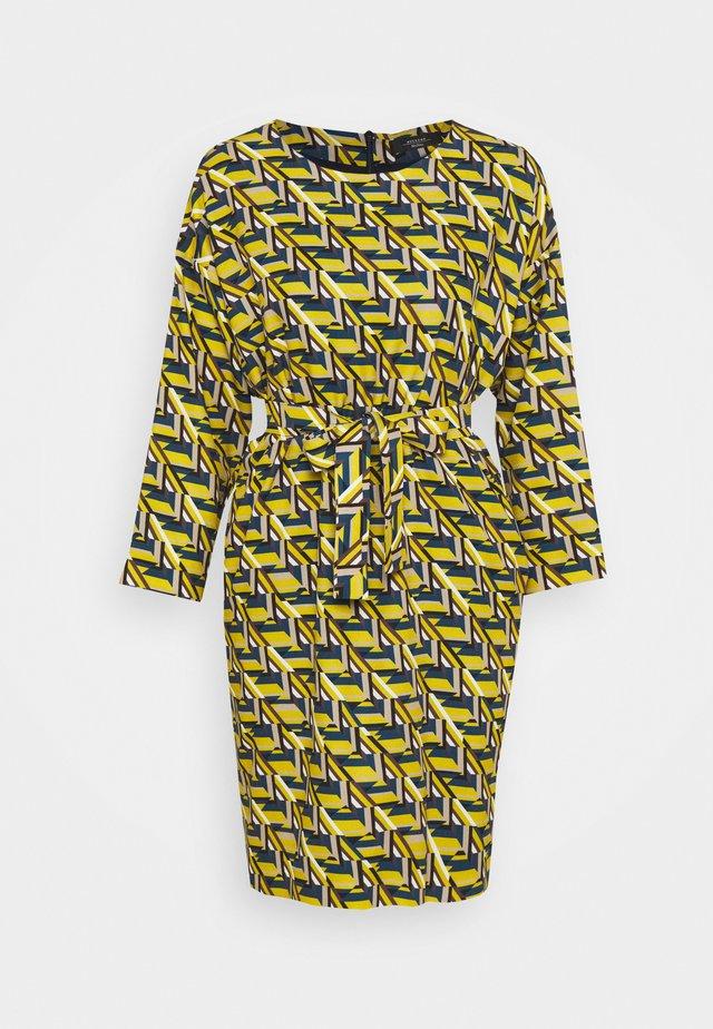 COLONIA - Vestido informal - limette