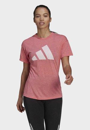 WIN 2.0 PRIMEGREEN - Print T-shirt - pink