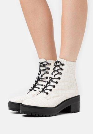 VMTESS BOOT - Platform ankle boots - birch