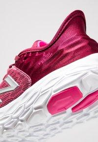New Balance - Löparskor stabilitet - pink - 5