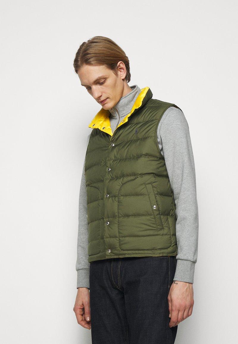 Polo Ralph Lauren - DENVER VEST - Waistcoat - dark sage/slicker yellow
