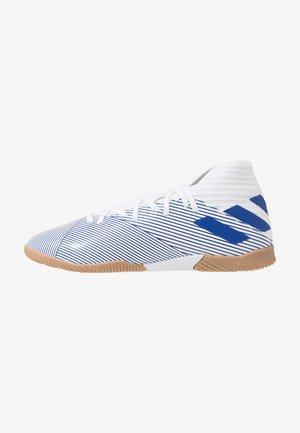 NEMEZIZ 19.3 IN - Chaussures de foot en salle - footwear white/royal blue/core black