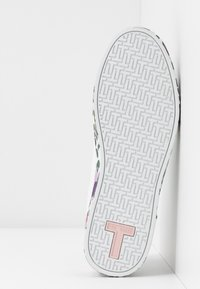 Ted Baker - WENI - Trainers - white - 6