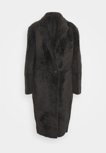 LACON CURLY ANCHOR - Classic coat - black antracite