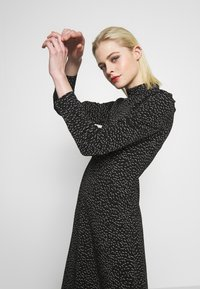 Monki - HELIE DRESS - Kjole - black - 3