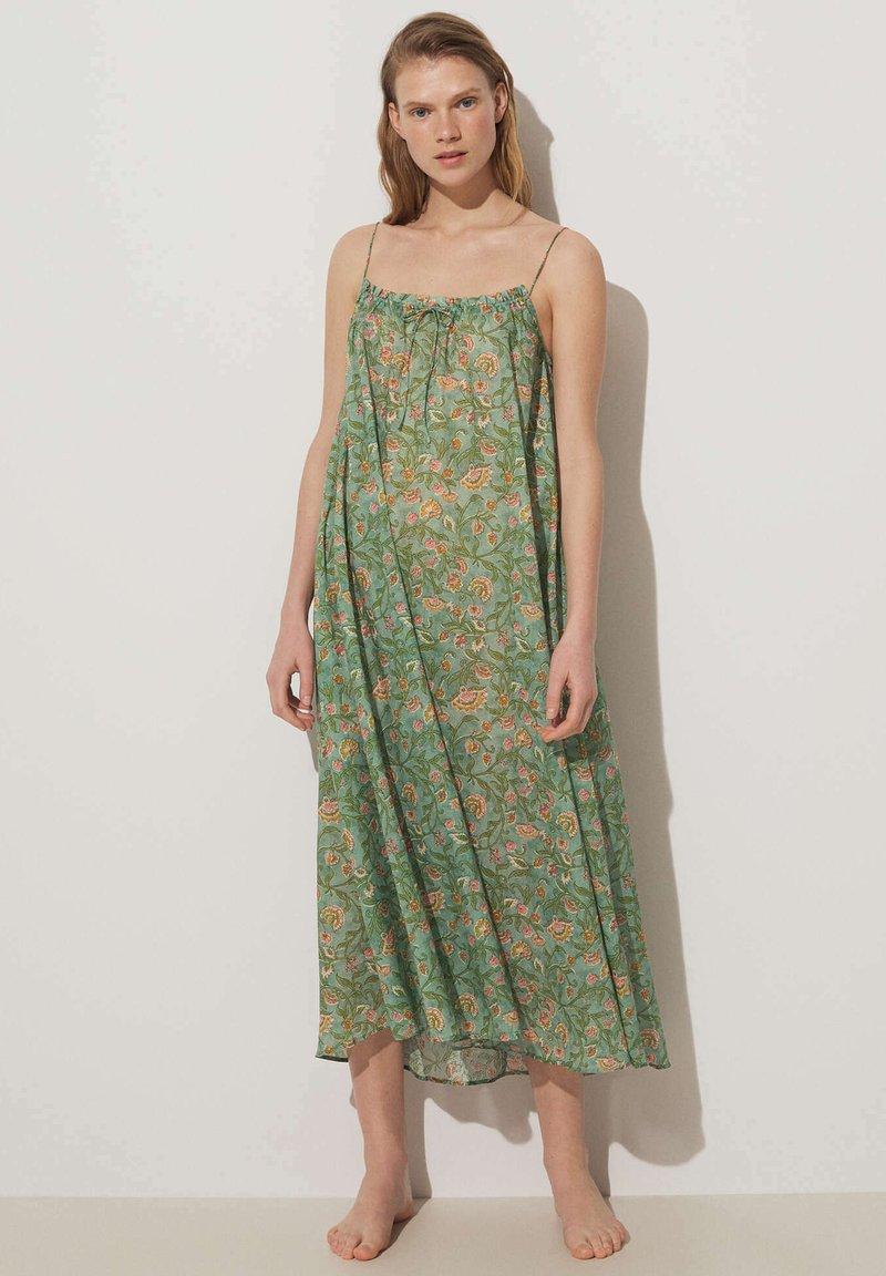 OYSHO - Nightie - green