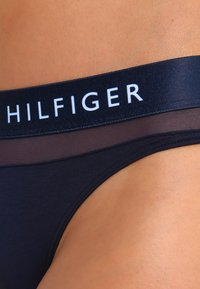 Tommy Hilfiger - SHEER FLEX THONG - G-strenge - navy blazer - 3