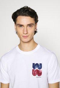 Wood Wood - SAMI  - Print T-shirt - bright white - 3