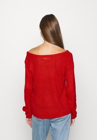 Missguided - OPHELITA OFF SHOULDER JUMPER - Trui - red - 2