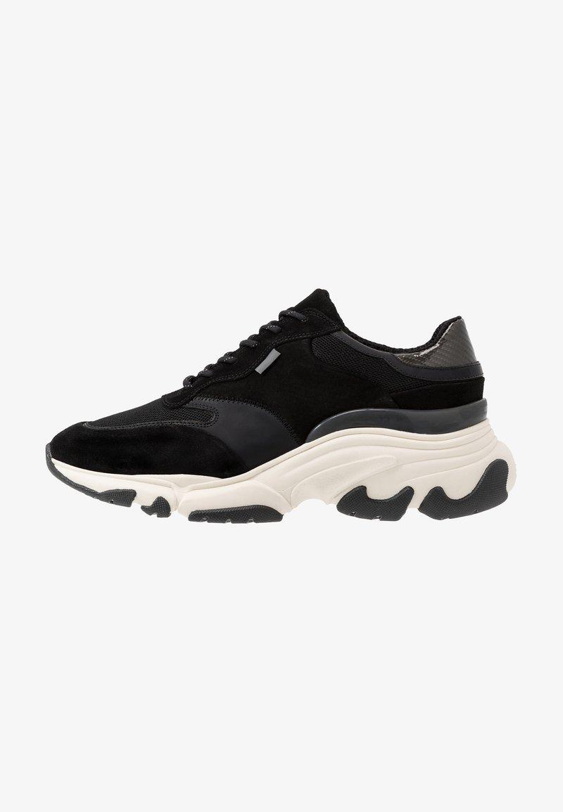 Pregis - KAYO - Sneaker low - black/white