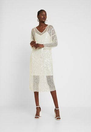 MALY SEQUINS DRESS - Cocktailklänning - champagn metallic