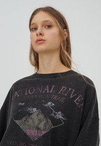 PULL&BEAR - Mikina - mottled dark grey - 3