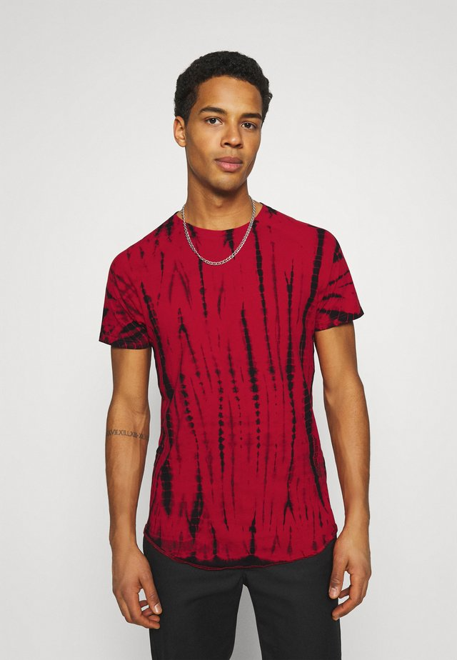 CARTER TEE UNISEX - T-shirt imprimé - high risk red