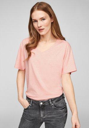 MIT V AUSSCHNITT - Basic T-shirt - apricot melange