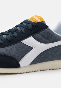 Diadora - JOG LIGHT - Sneakers - blue denim/whisper white - 5