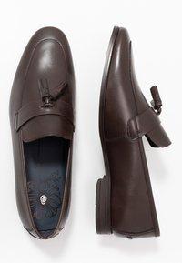 Burton Menswear London - WYATT - Eleganckie buty - brown - 1
