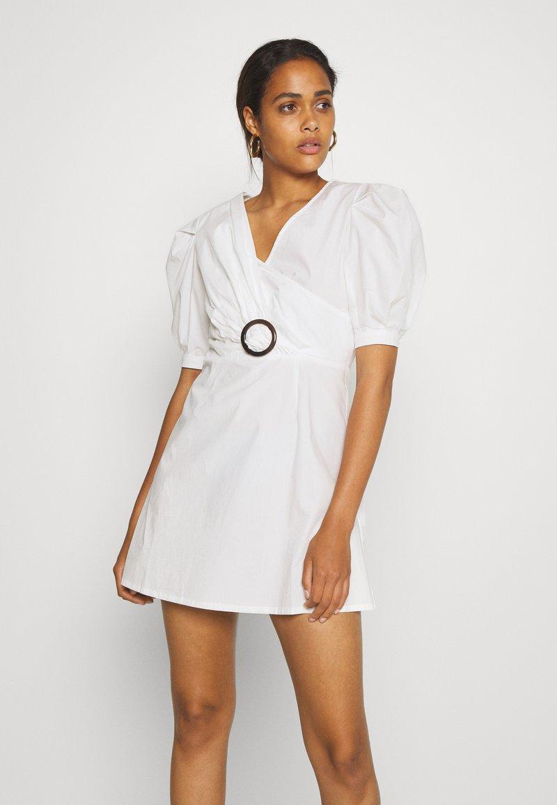Missguided - PUFF TORTOISE SKATER DRESS POPLIN - Day dress - white