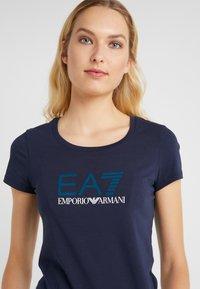EA7 Emporio Armani - Print T-shirt - navy blue - 4