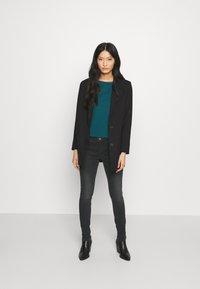 Opus - ELMA SHADOW - Jeans Skinny Fit - soft washed black - 1