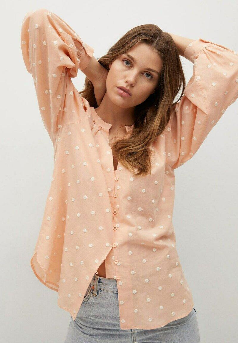 Mango - Button-down blouse - pêche