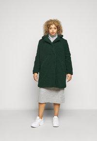 Noisy May Curve - NMGABI JACKET - Classic coat - ponderosa pine - 0