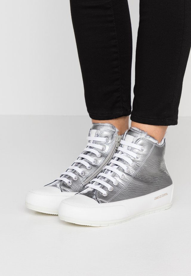 PLUS - Sneakersy wysokie - bering ashes/bianco