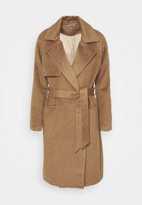 Classic coat - sepia tint
