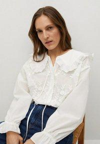 Mango - IBIZA - Button-down blouse - cremeweiß - 3