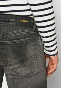 Diesel - SLEENKER - Slim fit jeans - 009is 02 - 5